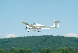 Ultraleicht-Flugzeug startet vom Flugplatz Trier-Föhren